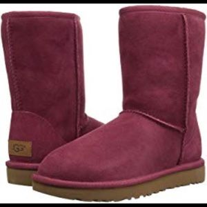 Red classic Uggs